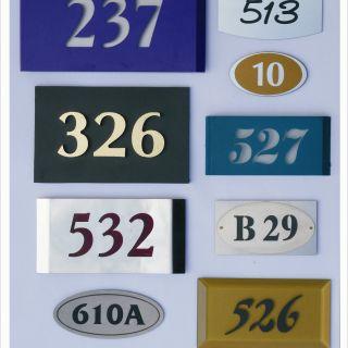 Изработка на табели и табла за визуална комуникация на хотели
